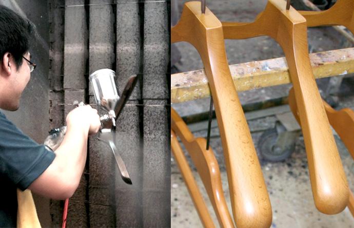 工程2 ハンガーを塗装する。